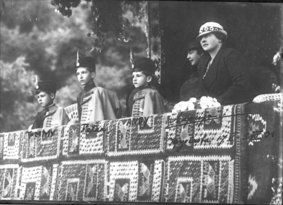 With his mother, HM Queen Maria and his brothers, TRH Prince Tomislav and Prince Andrej at the Falcons' Landing in Herceg Novi, 1934
