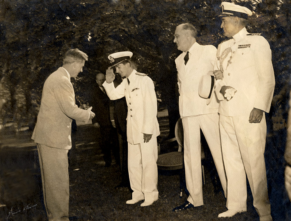 With the US President Roosevelt in the White House grounds, June 1942