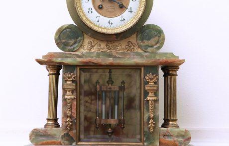 Table clock, the Royal Palace