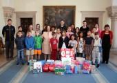 Њ.К.В. Принцеза Катарина са децом из београдских међународних школа