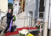 Њ.К.В. Престолонаследник Александар на церемонији полагања венаца у Српском лекарском друштву