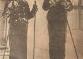 Kralj Petar II i Kralj Mihailo ispred Slamnate kuće na Kraljevskom kompleksu, Beograd 1935.