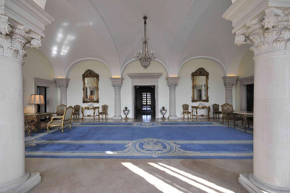 Плави салон Краљевског двора Србије