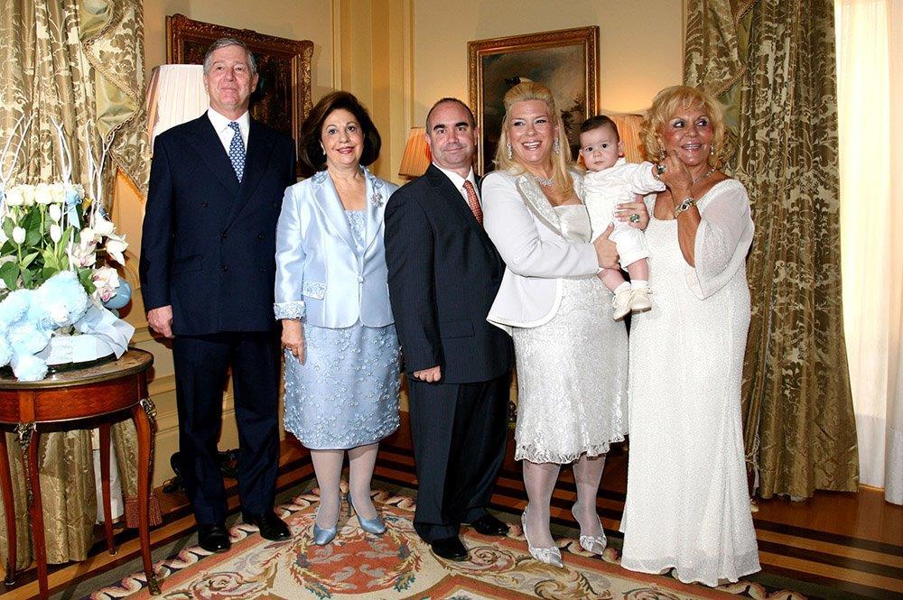 HRH Crown Prince Alexander, HRH Crown Princess Katherine, Mr David Andrews, Mrs Angeliki Andrews, young Alexander Andrews and Dr Fani Margariti
