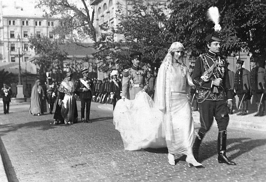 Српски – Венчање Њ.К.В. Кнеза Павла и кнегиње Олге у Београду 1923. године
