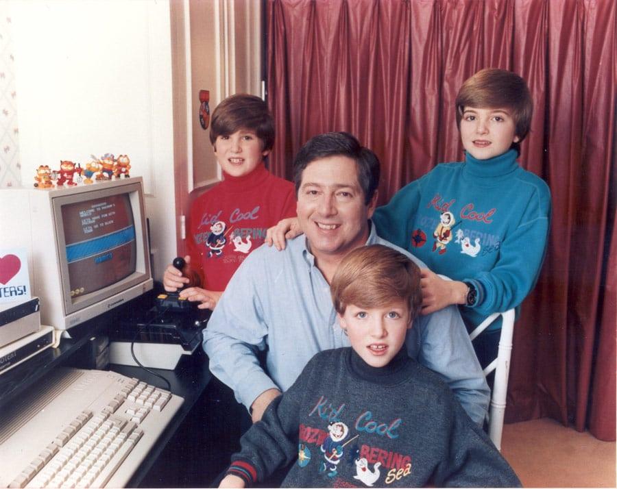 Nj.K.V. Prestolonaslednik Aleksandar sa svojim sinovima - Nj.K.V. Princom Naslednikom Petrom, Nj.K.V. Princom Filipom i Nj.K.V. Princom Aleksandrom