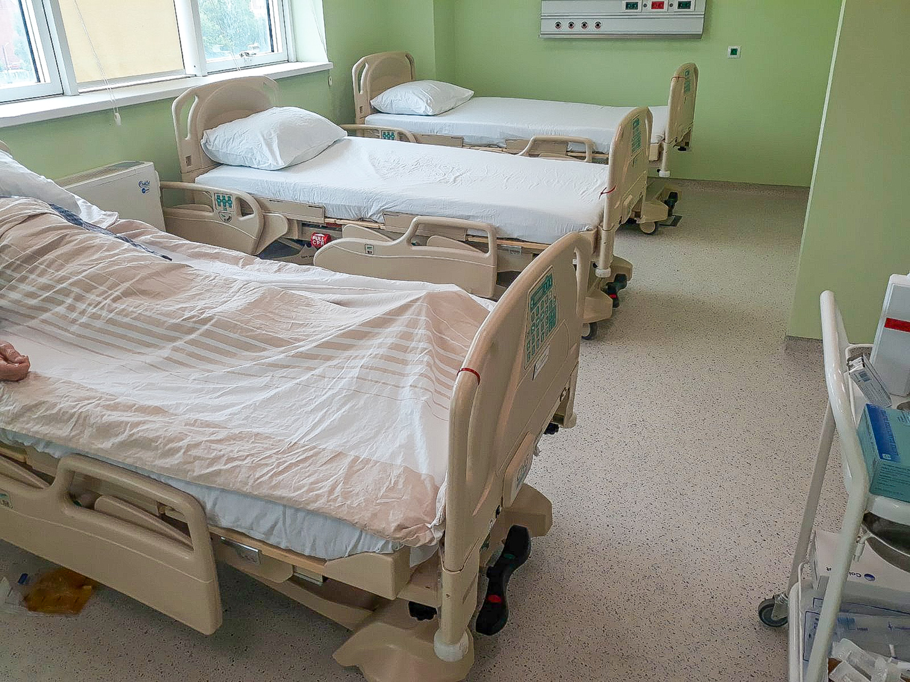 PRINCESS KATHERINE FOUNDATION DONATES ELECTRIC BEDS AND MATTRESSES VALUE OVER 38,000 EUROS FOR VRANJE HEALTH CENTER