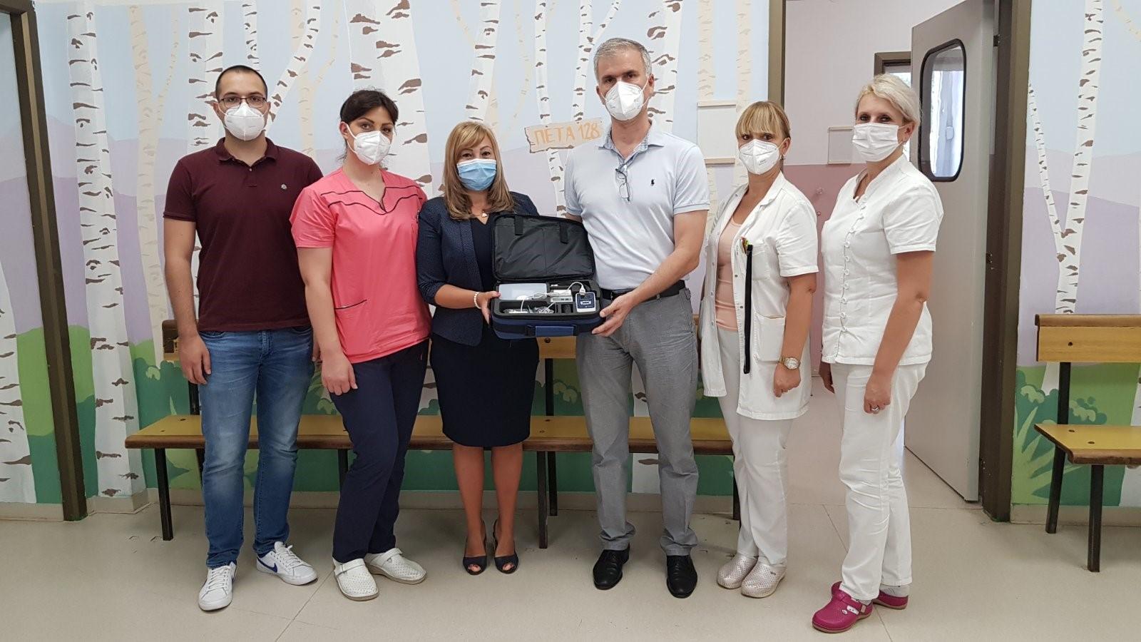 DOCTOR OF SERBIAN ORIGIN DONATES THROUGH PRINCESS KATHERINE FOUNDATION TWO HEARING SCREENING EQUIPMENT