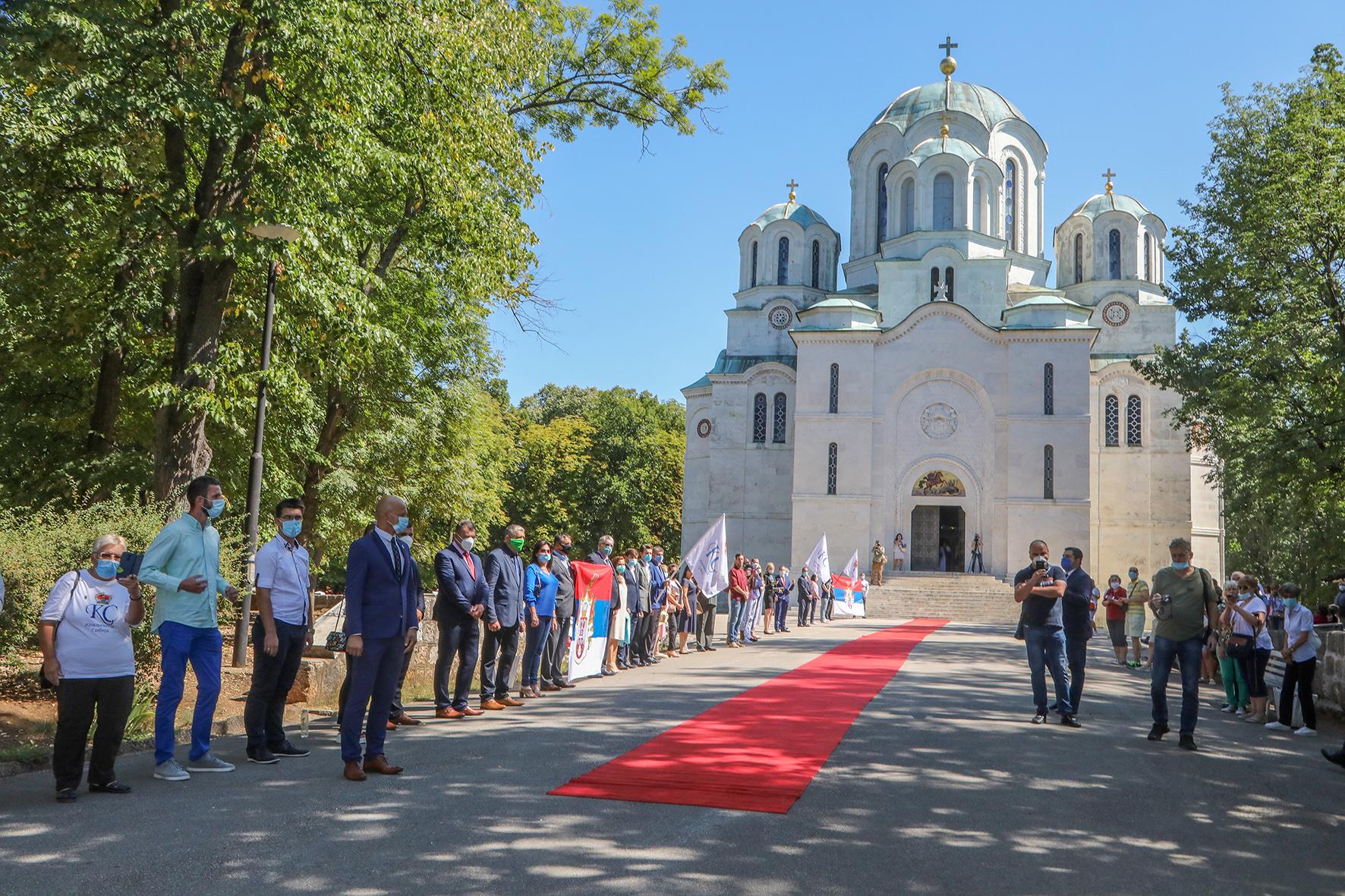 Удружење Краљевина Србија свечано дочекује Њ.К.В. на Опленцу