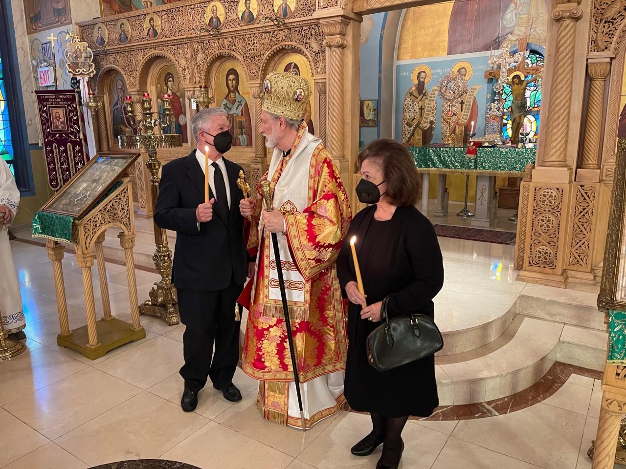 Њ.К.В. Престолонаследник Александар и Принцеза Катарина са Његовим Преосвештенством Епископом источно-америчким Г. Иринејом