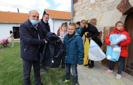 Aid packages for Serbian families in Kosovo and Metohija